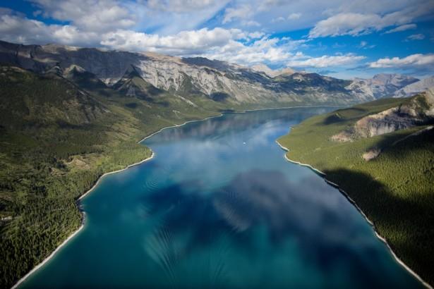 aerial_lake_minnewanka_zizka_h1-615x410.jpg
